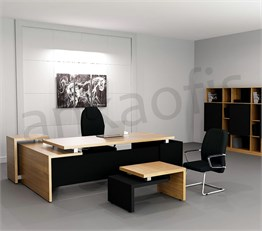 Monev Executive Desk